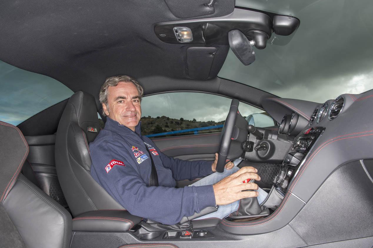Carlos Sainz exprime al Peugeot RCZ R