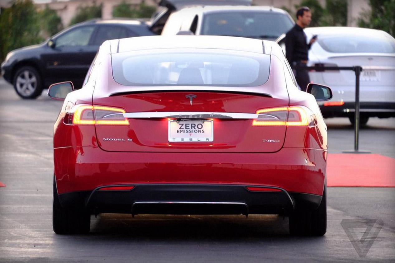 Tesla Model S P85D, más potencia eléctrica y tracción total