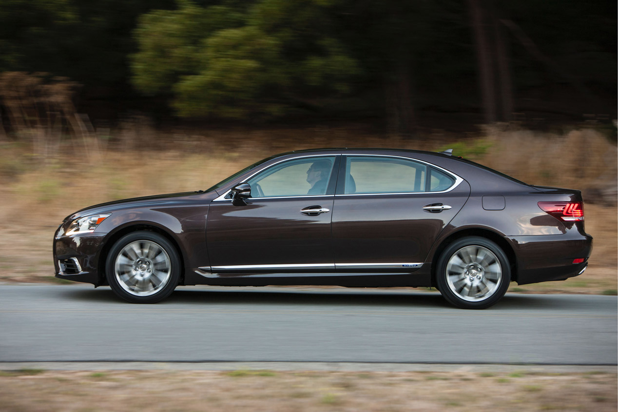 Lexus LS 2015