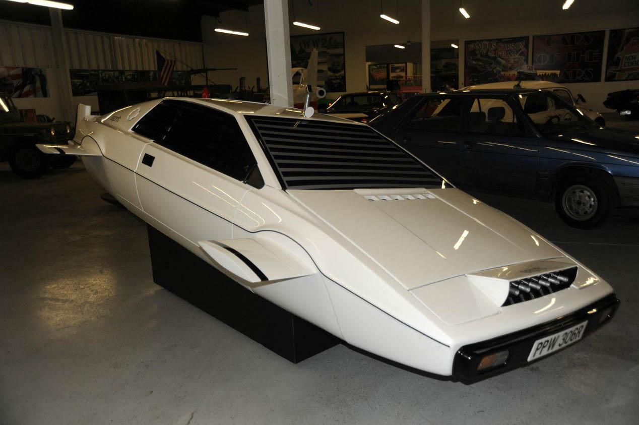El Lotus Esprit submarino de James Bond puede ser tuyo