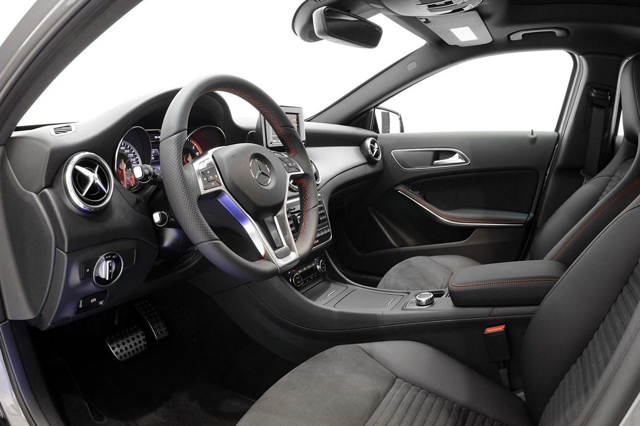 Interior Mercedes GLA 45 AMG