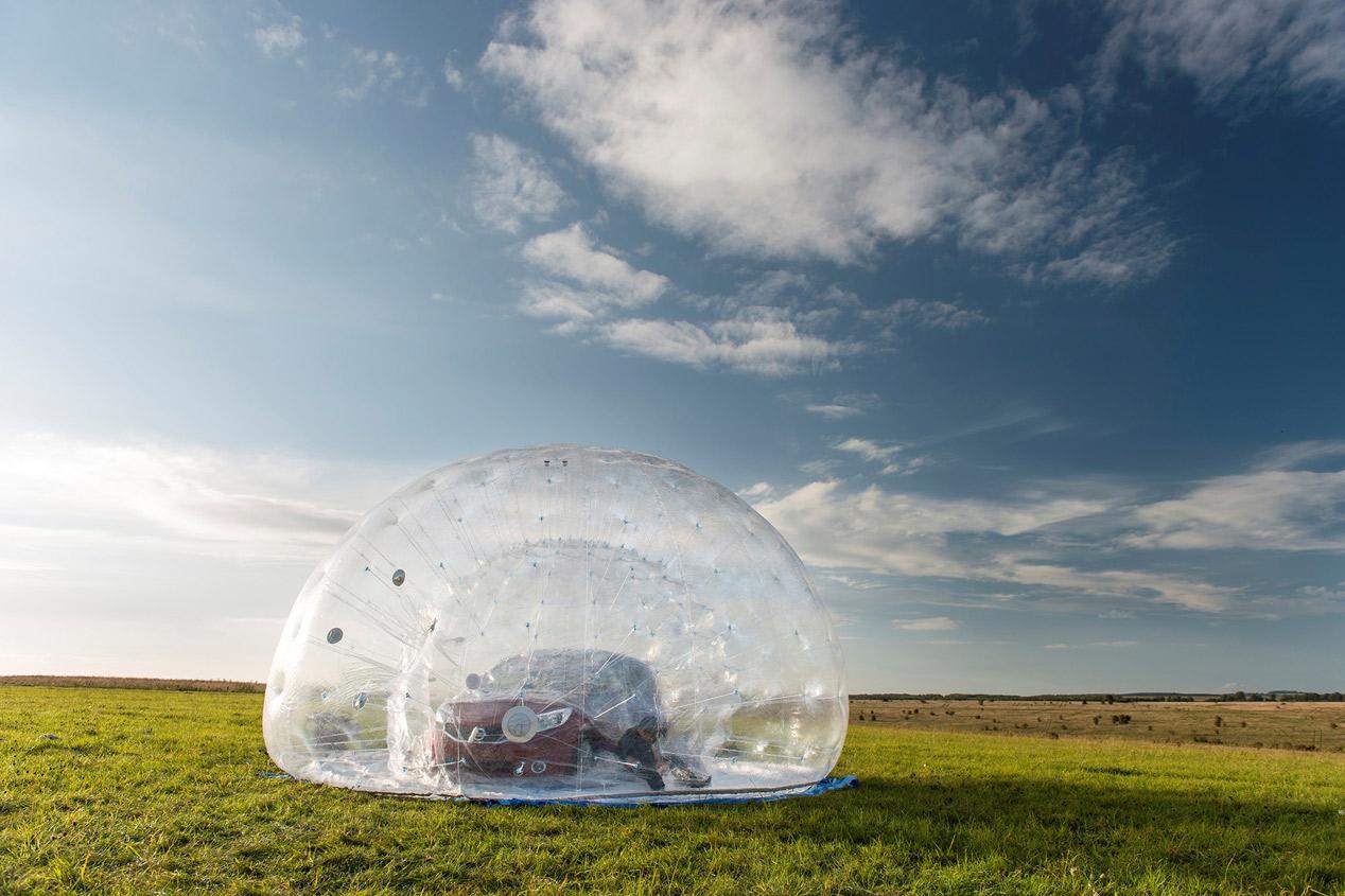 Nissan crea la esfera CarZorb más grande del mundo
