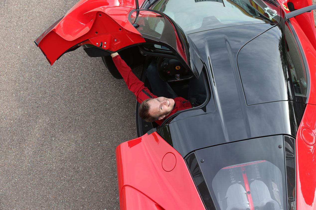 Contacto: Ferrari LaFerrari, la diosa roja