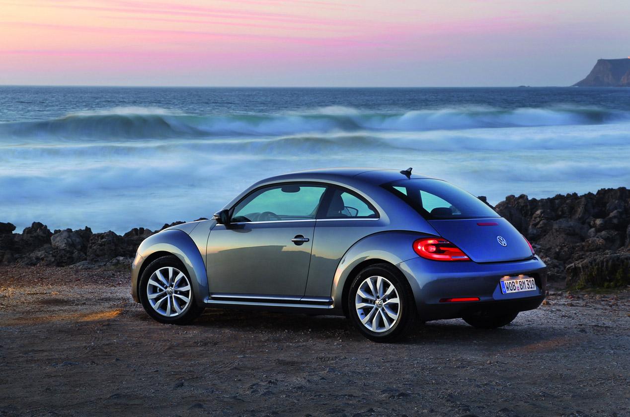 Volkswagen Beetle y Beetle Cabriolet 2015