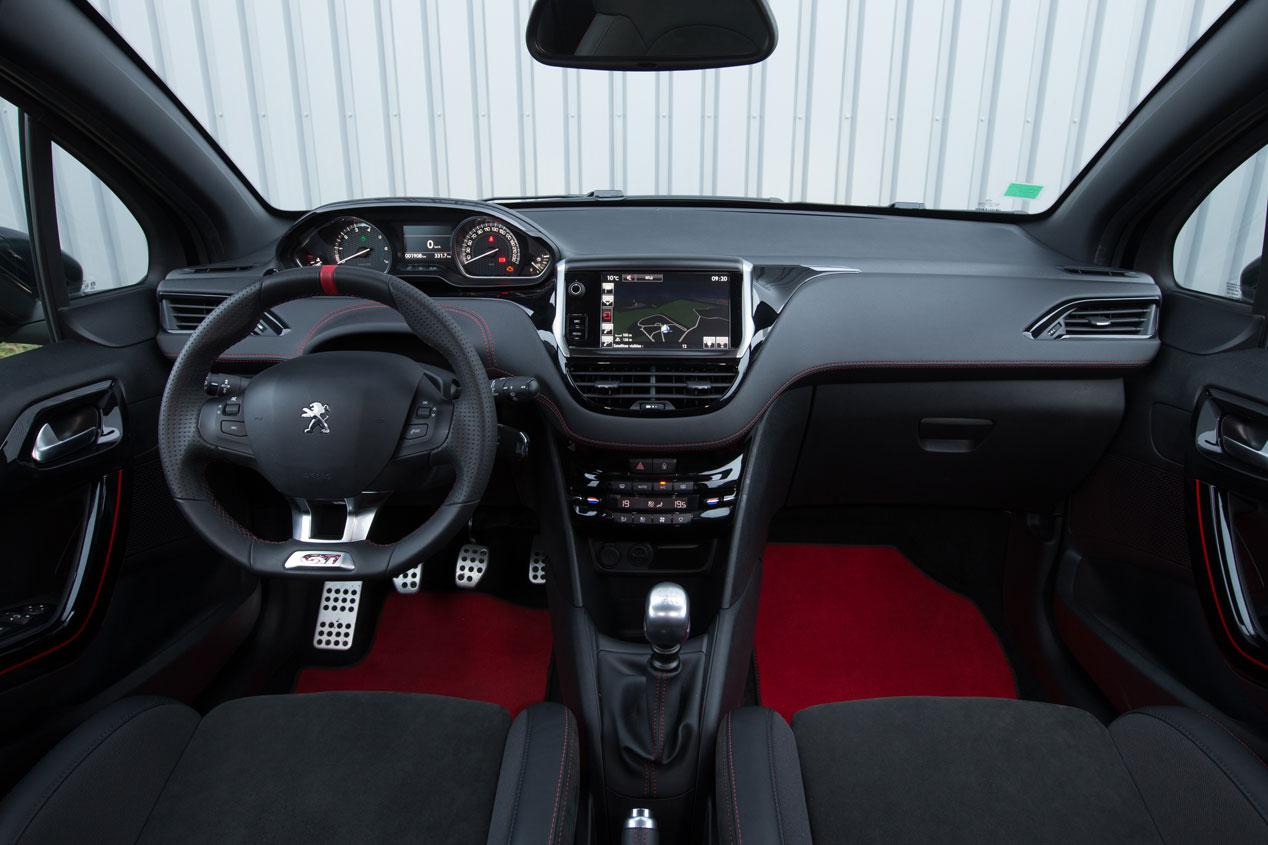 Contacto: Peugeot 208 GTI 30th, un GTI de altura