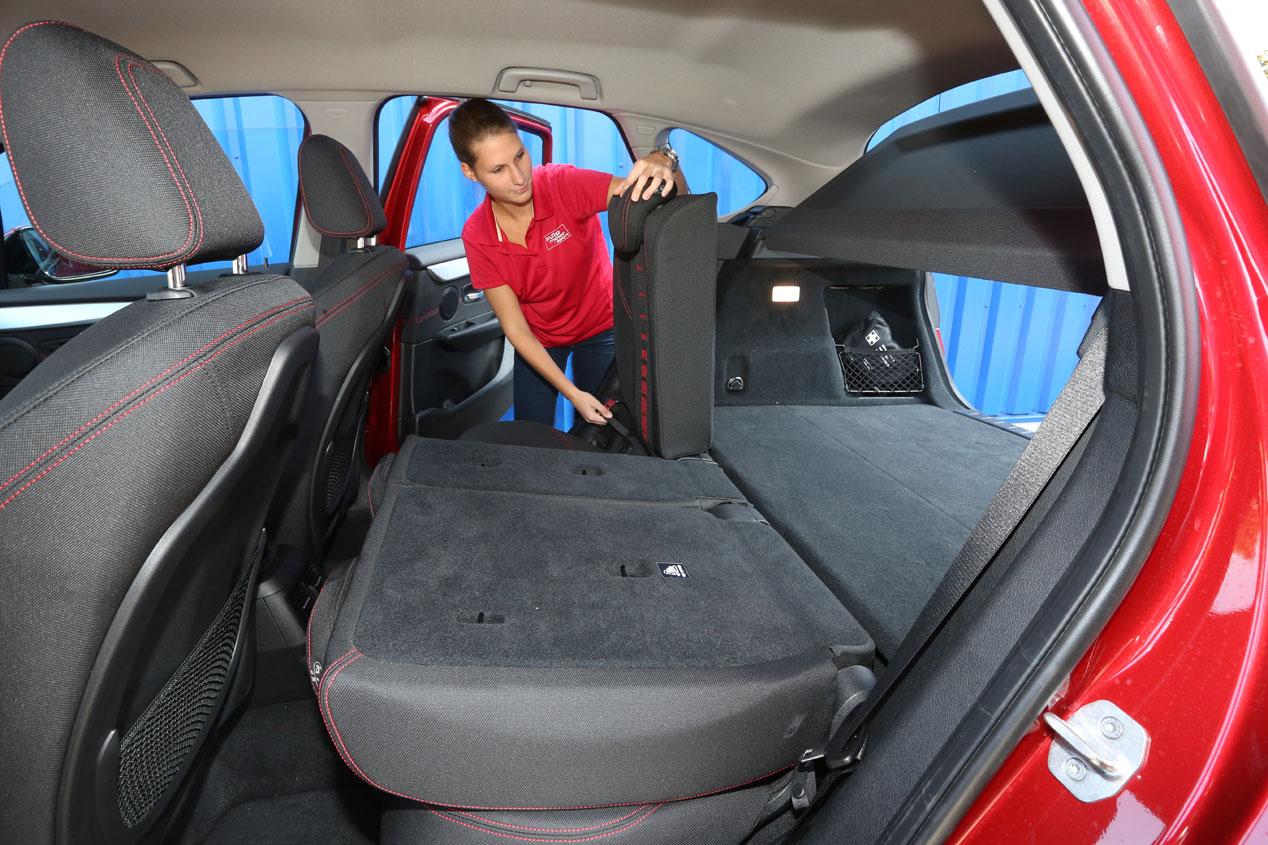 Comparativa: BMW 218d Active Tourer - VW Golf Sportsvan 2.0 TDi, cantidad y calidad