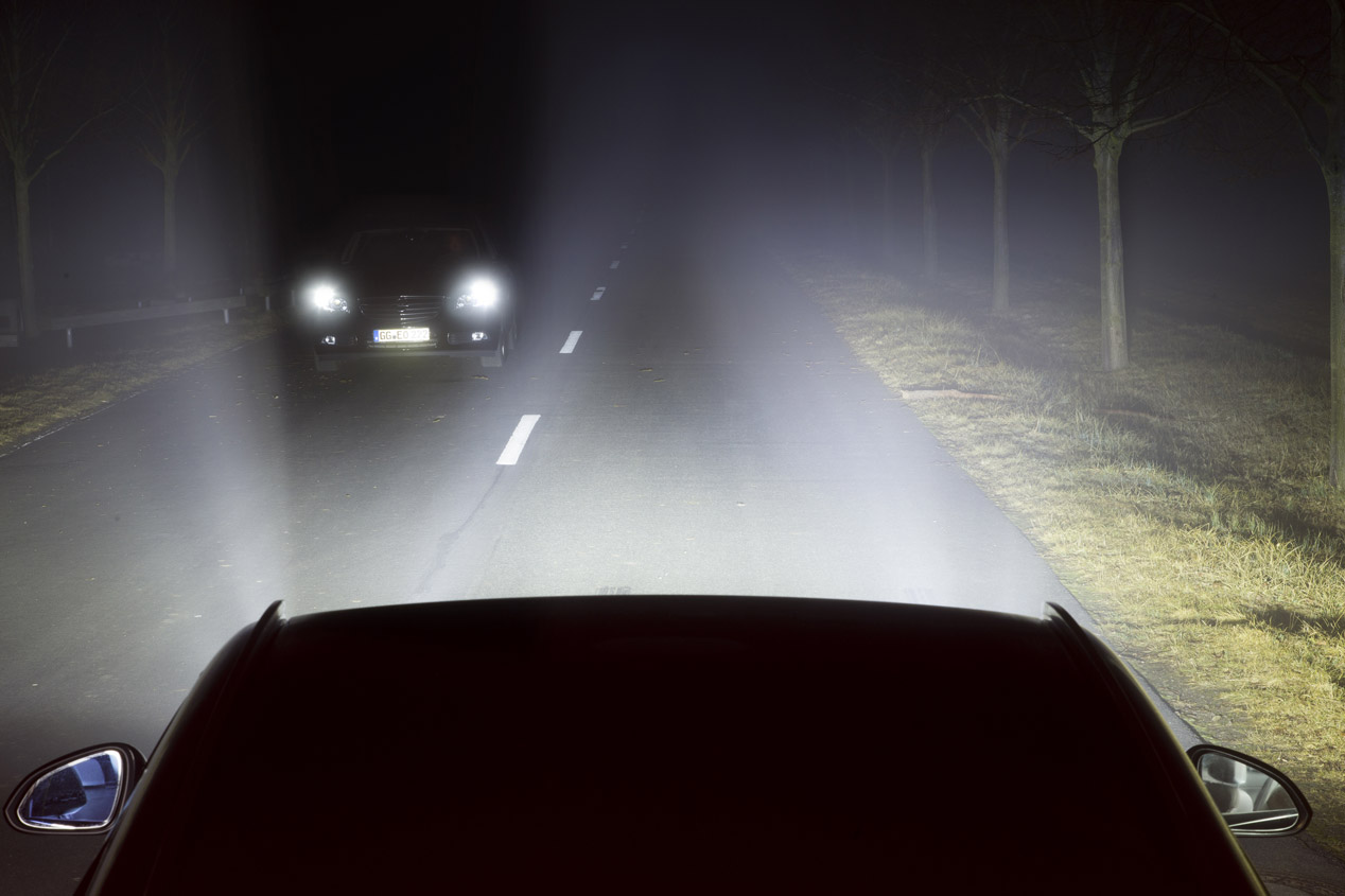 Nueva tecnología AFL+ de iluminación adaptativa de Opel
