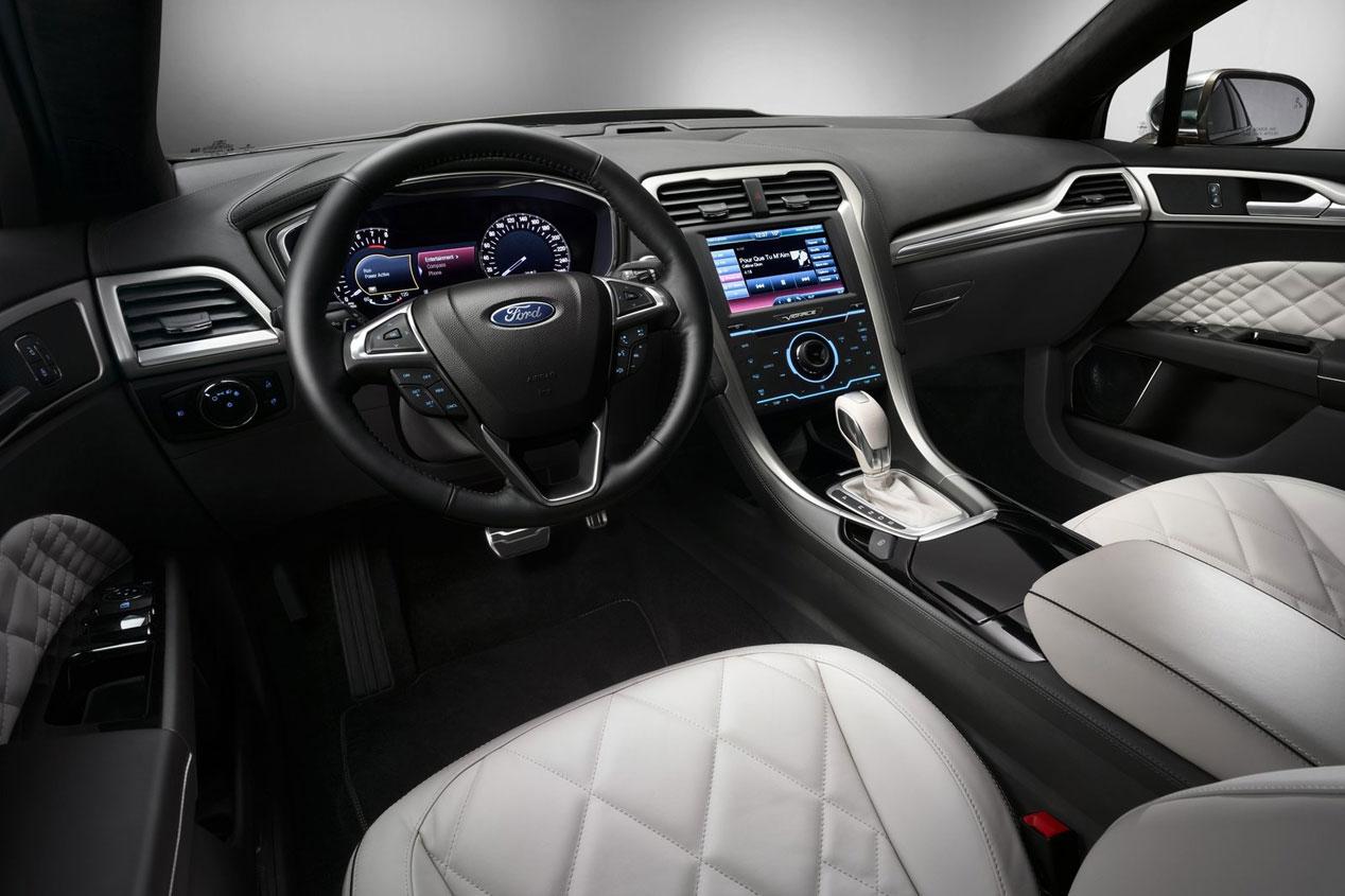 Ford Mondeo Vignale, vestido de etiqueta