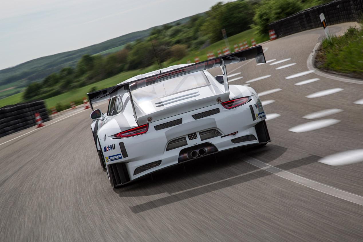 Porsche 911 GT3 R 2015