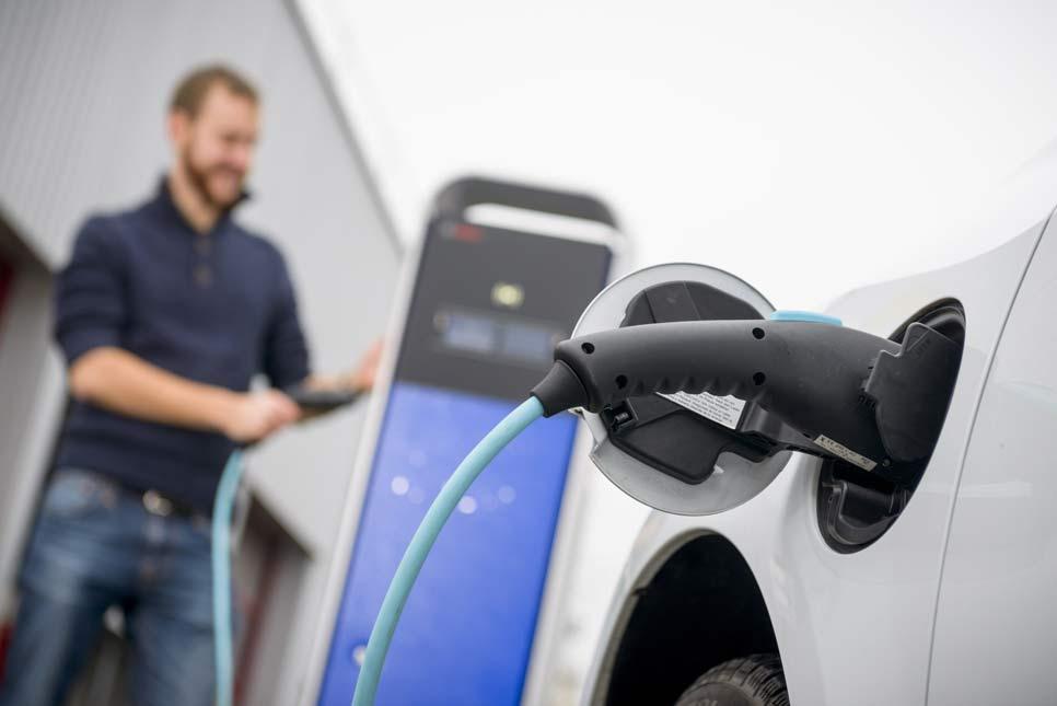 La electrificación irá llegando promovida por la imposición sobre contaminación y consumos