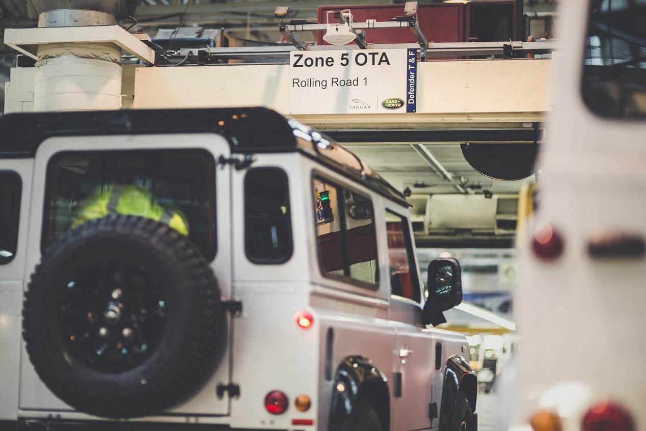 Land Rover Defender 'dos millones', subastado por una buena causa