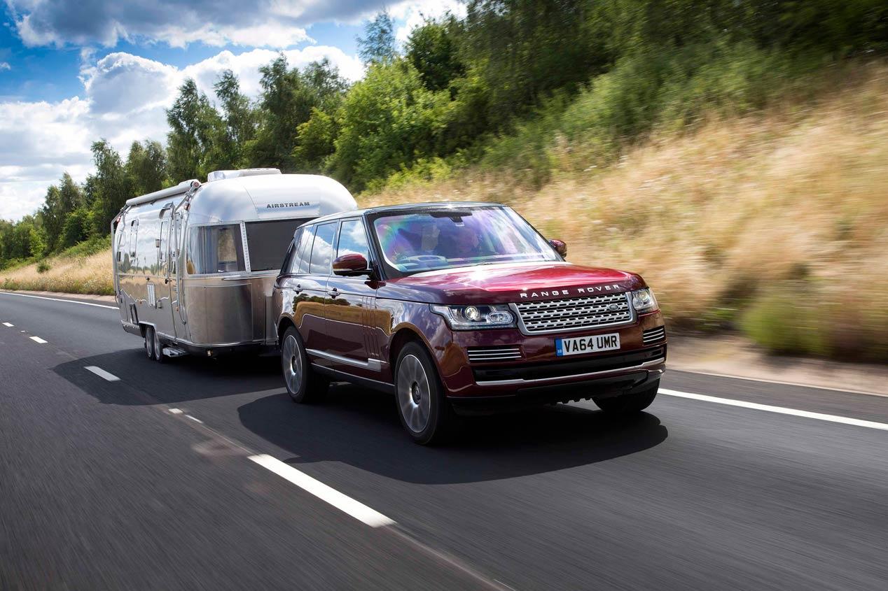 """Land Rover patenta el remolque """"invisible"""""""