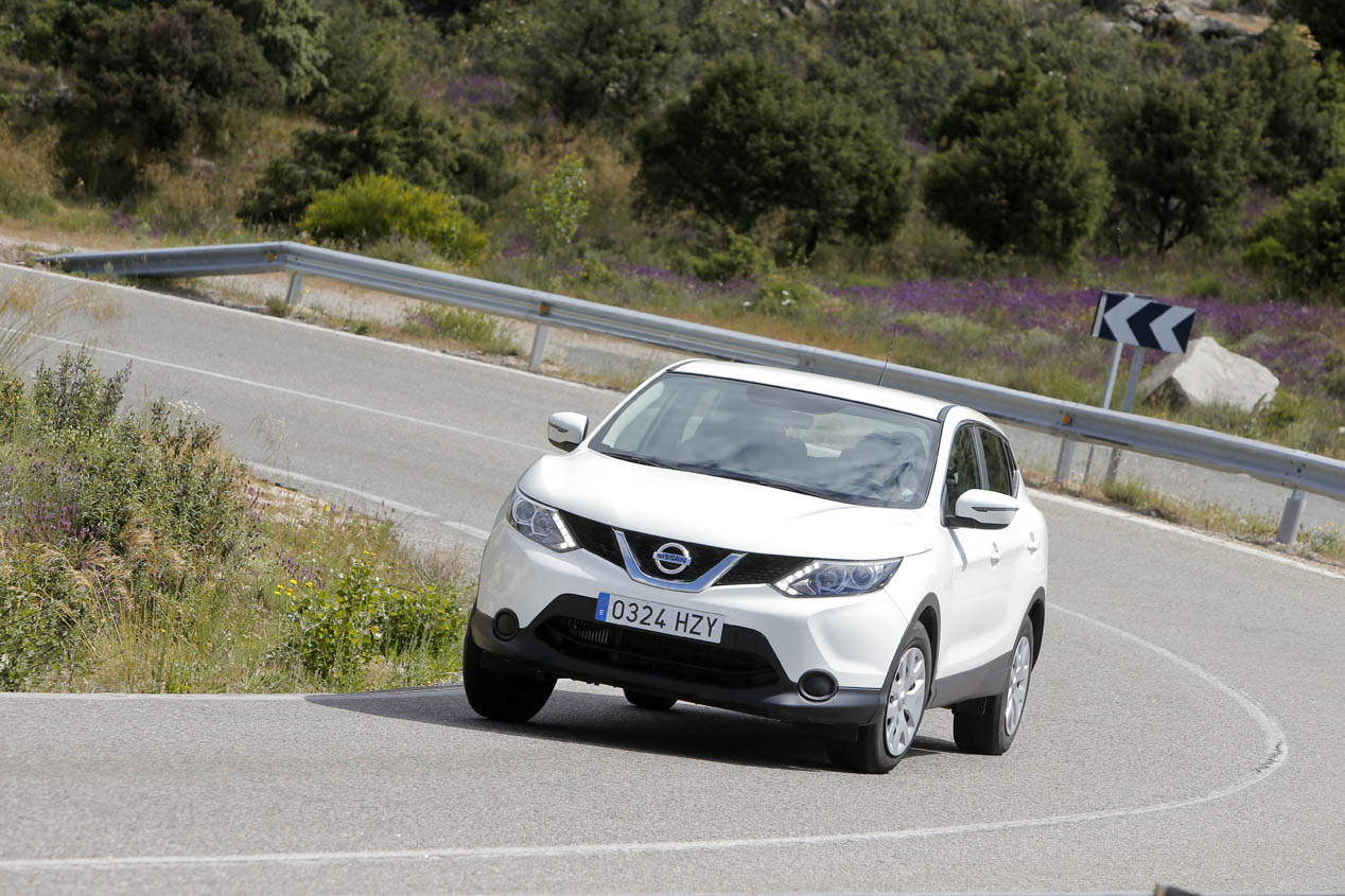 Opel Mokka 1.6 CDTi vs Nissan Qashqai 1.6 dCi