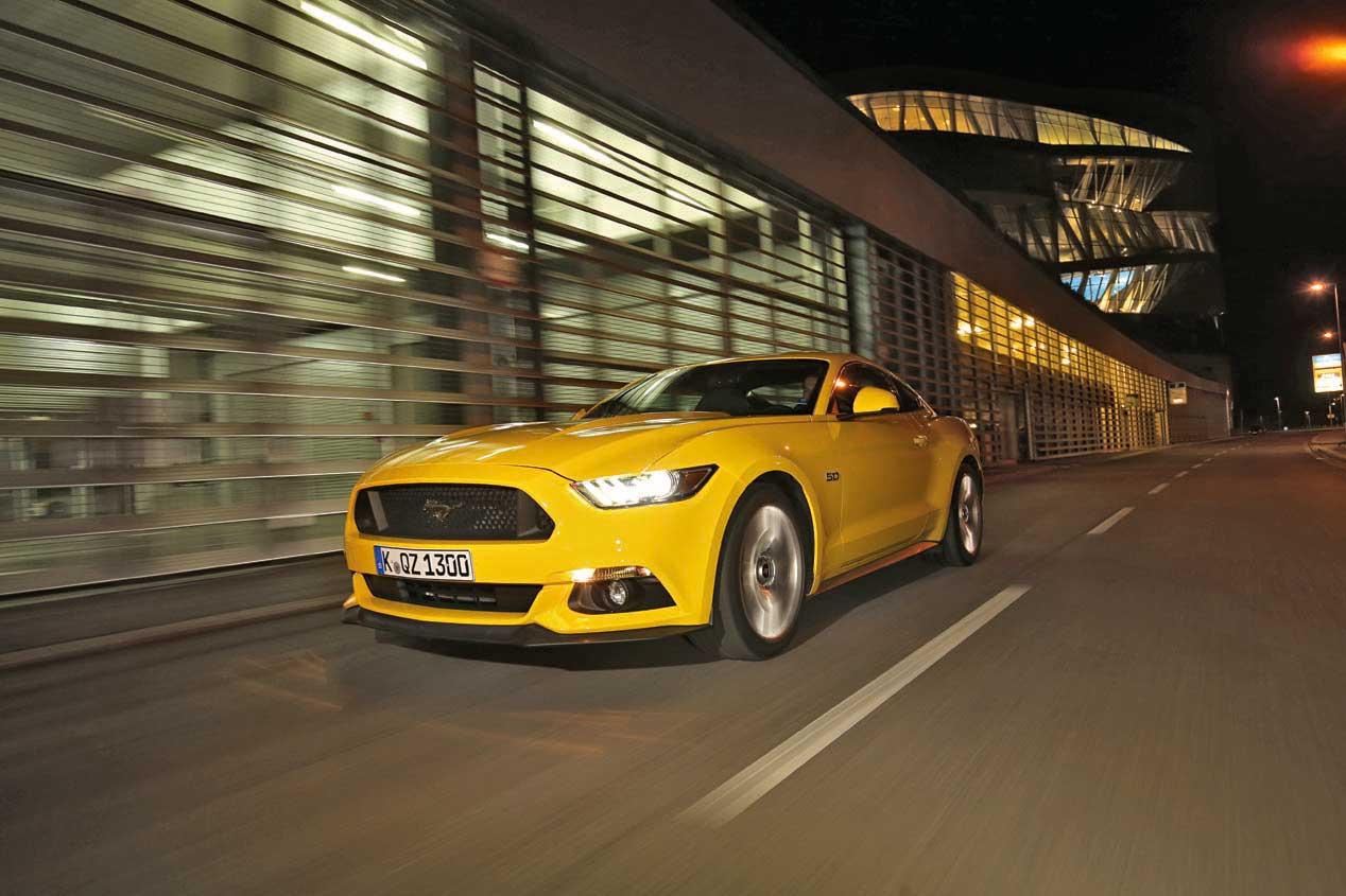 Ford Mustang, ruido y humo