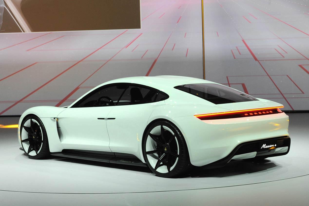 Porsche Mission E, súper misil eléctrico de 600 CV