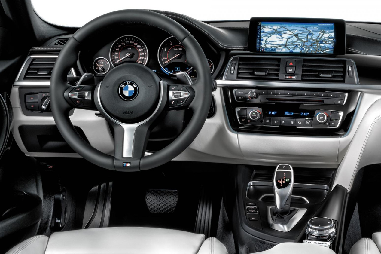 BMW 320d xDrive Touring 40 Years Edition