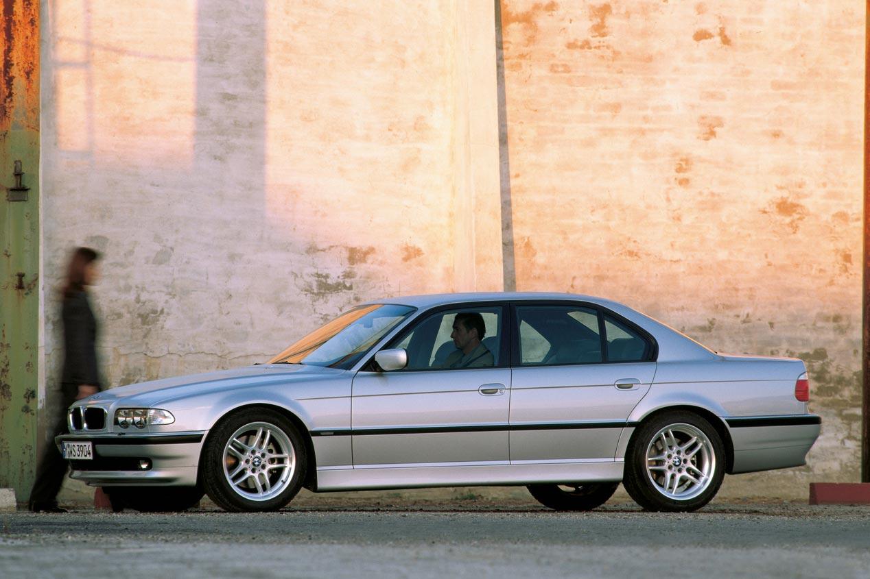 BMW Serie 7, repaso a la tecnología de sus seis generaciones