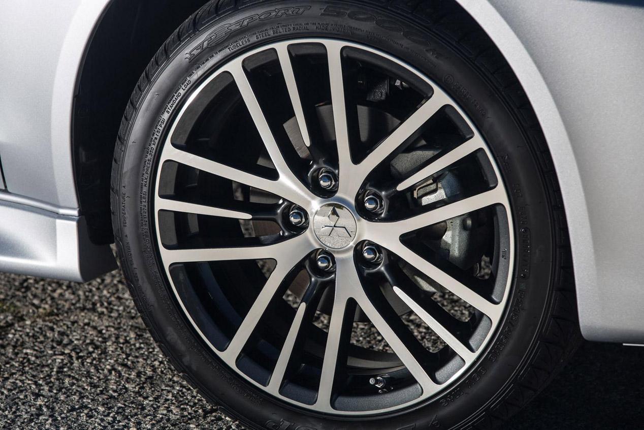 Mitsubishi Lancer, la octava generación se vuelve a actualizar