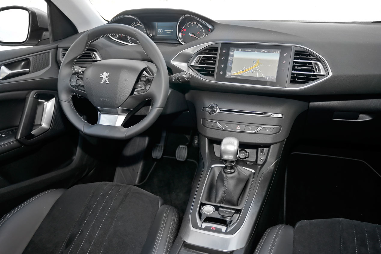 Peugeot i-Cockpit: el interior de un coche, más protagonista