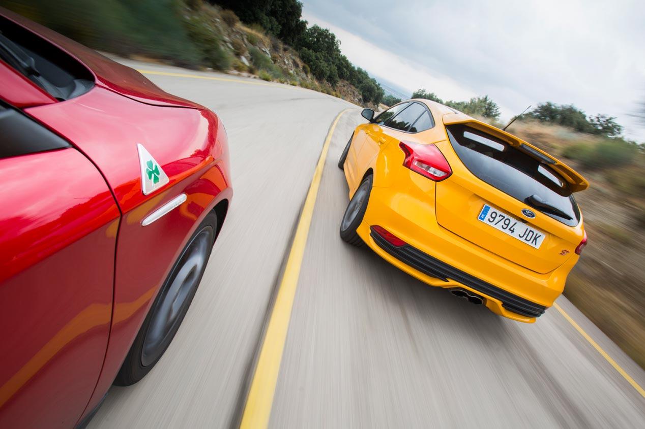 El Alfa Romeo Giulietta Quadrifoglio Verde se enfrenta al Ford Focus ST