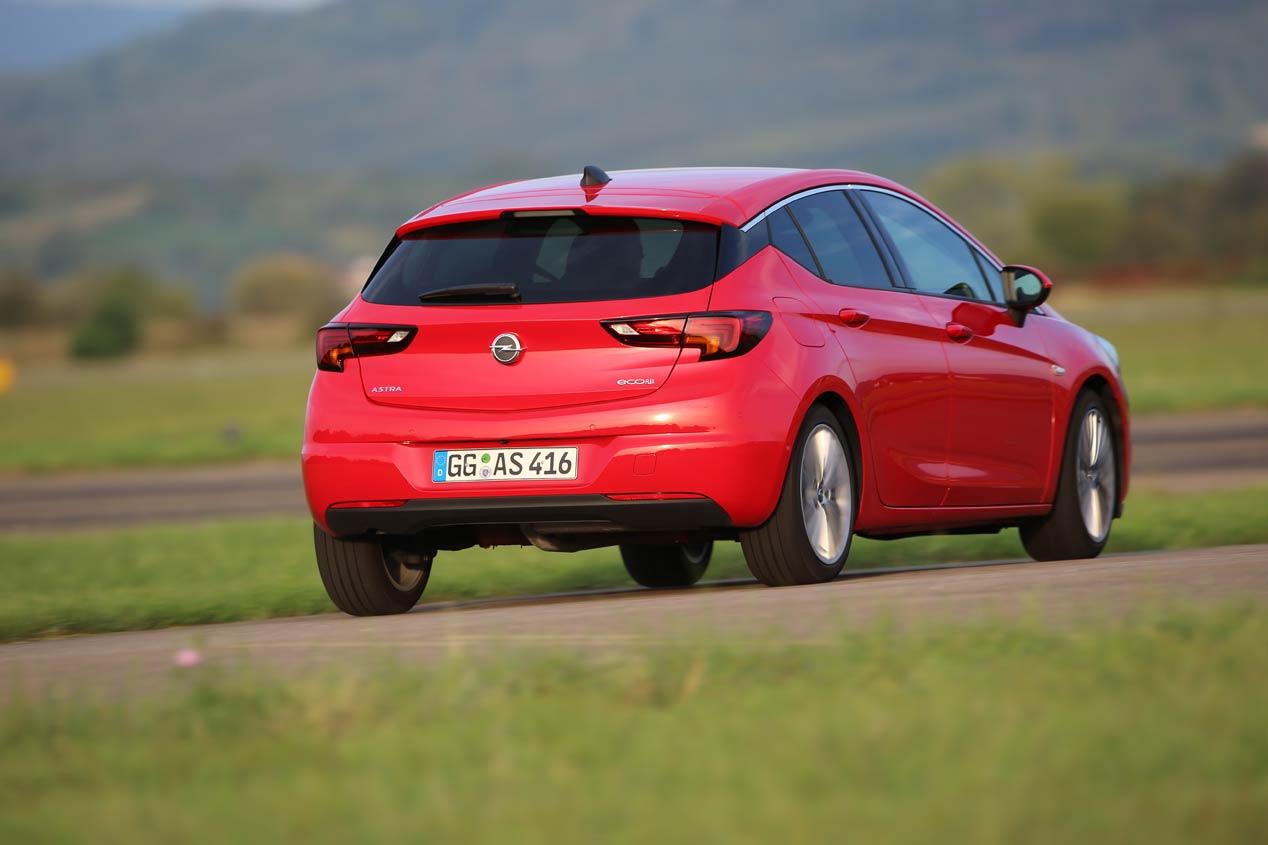 Duelo de compactos: Opel Astra y Renault Mégane