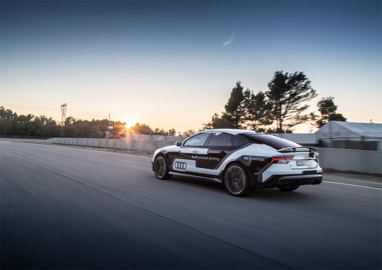 Los jugadores del Barça y la conducción autónoma de Audi