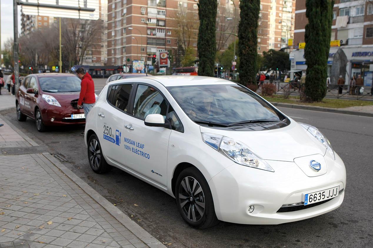 450 personas prueban el Nissan LEAF en Madrid