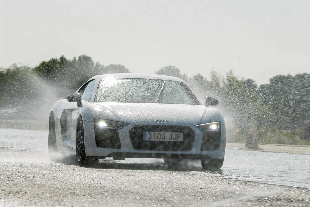 Los mejores coches deportivos probados en circuito