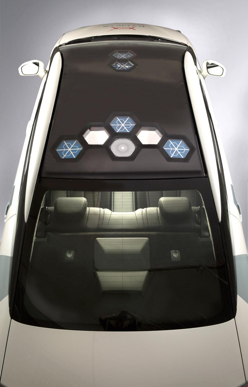 Toyota Mirai comunicante en el Salón de Detroit 2016