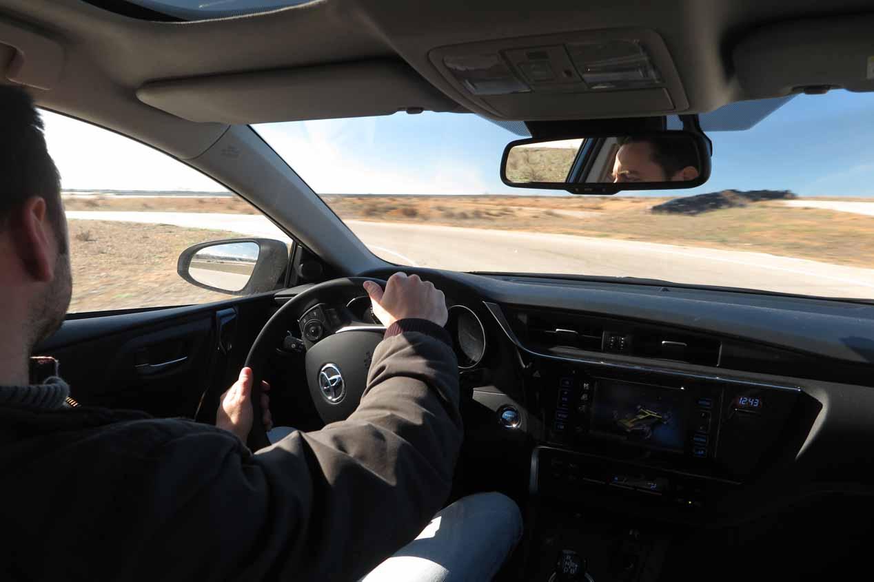 En la pista buscando límites al Toyota Auris Hybrid