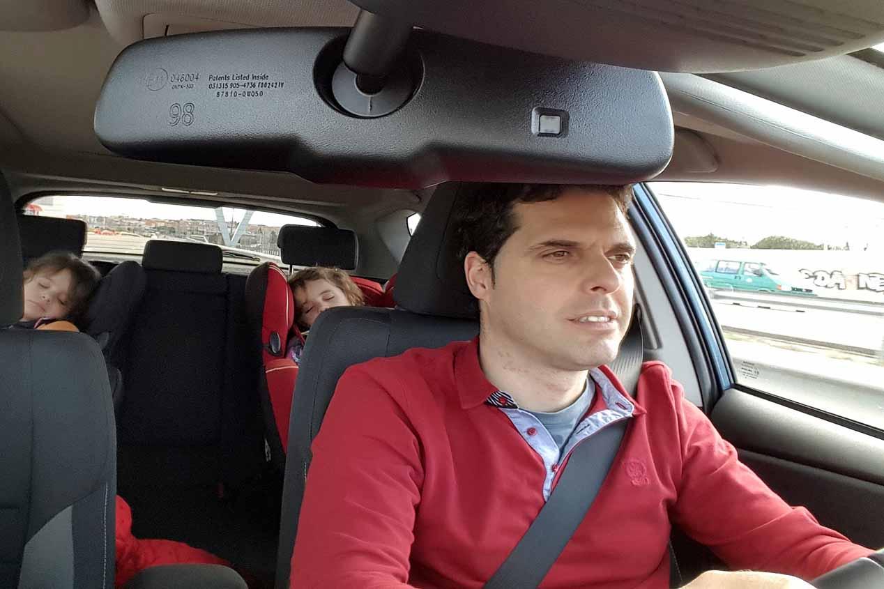 Toyota Auris Hybrid, un coche para llevar gemelos