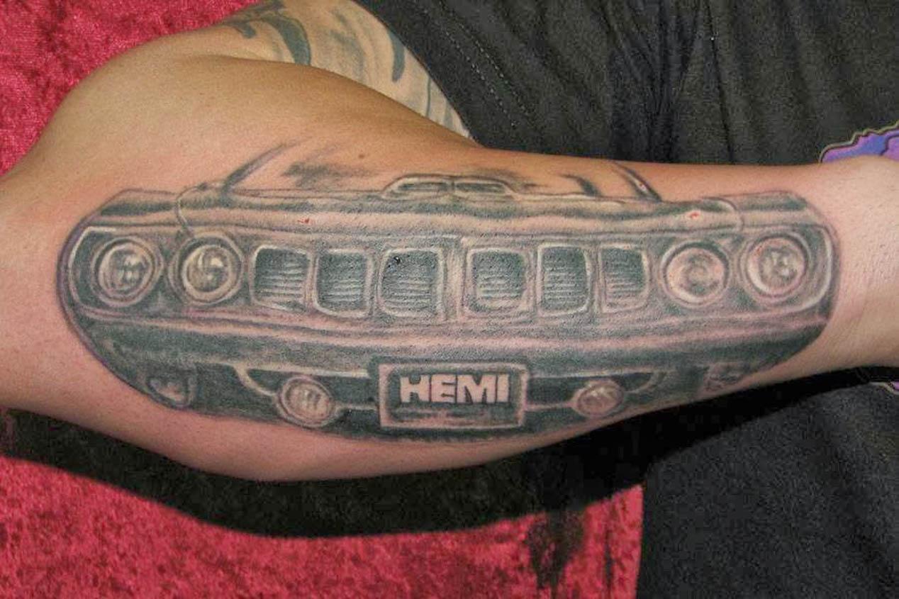 Los mejores tatuajes de coches: arte y decoración