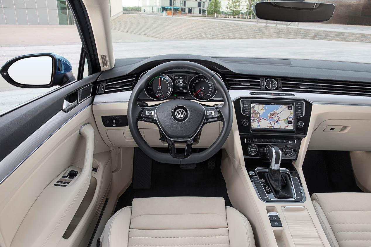 El Volkswagen Passat GTE híbrido enchufable, a la venta