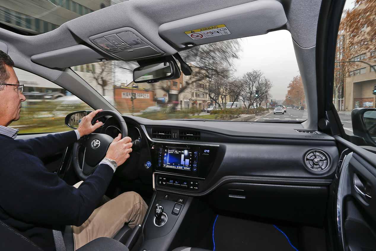 Te obsesiona cuidar el consumo el Toyota Auris Híbrido