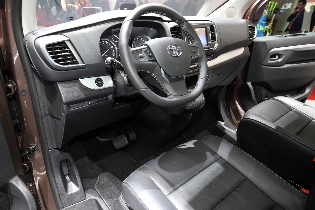 Toyota Proace Verso en Ginebra 2016