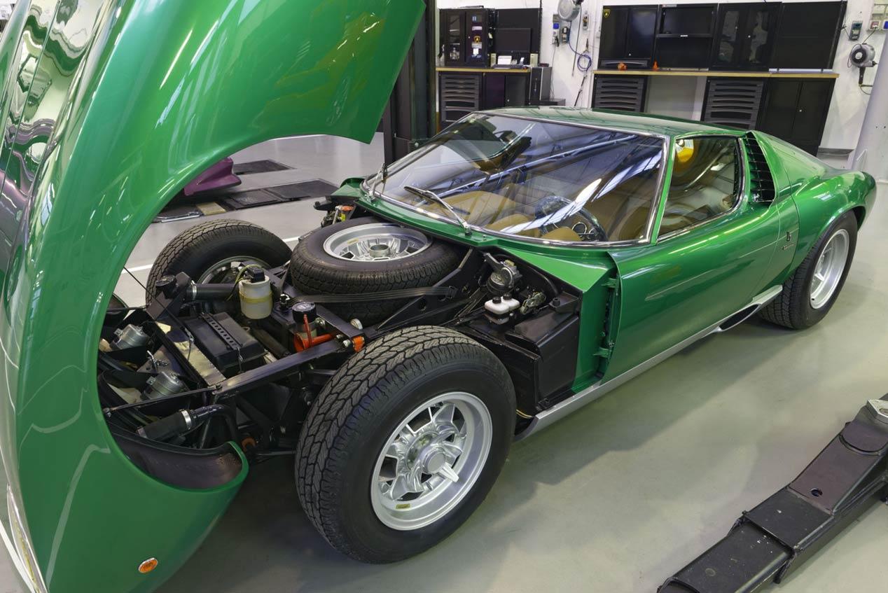 Lamborghini PoloStorico restaura un Miura SV único de 1971
