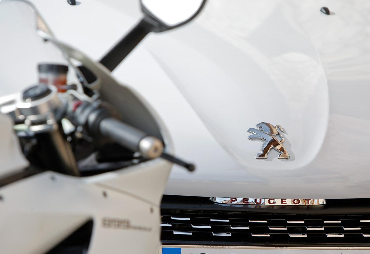 Peugeot 208 GTI by Peugeot Sport y Ducati 899 Panigale