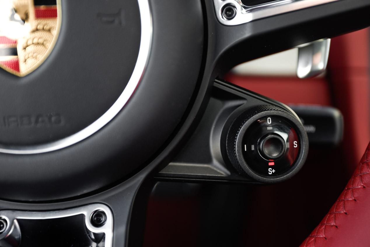 Así acelera y frena el Porsche 911 Carrera S Coupé PDK