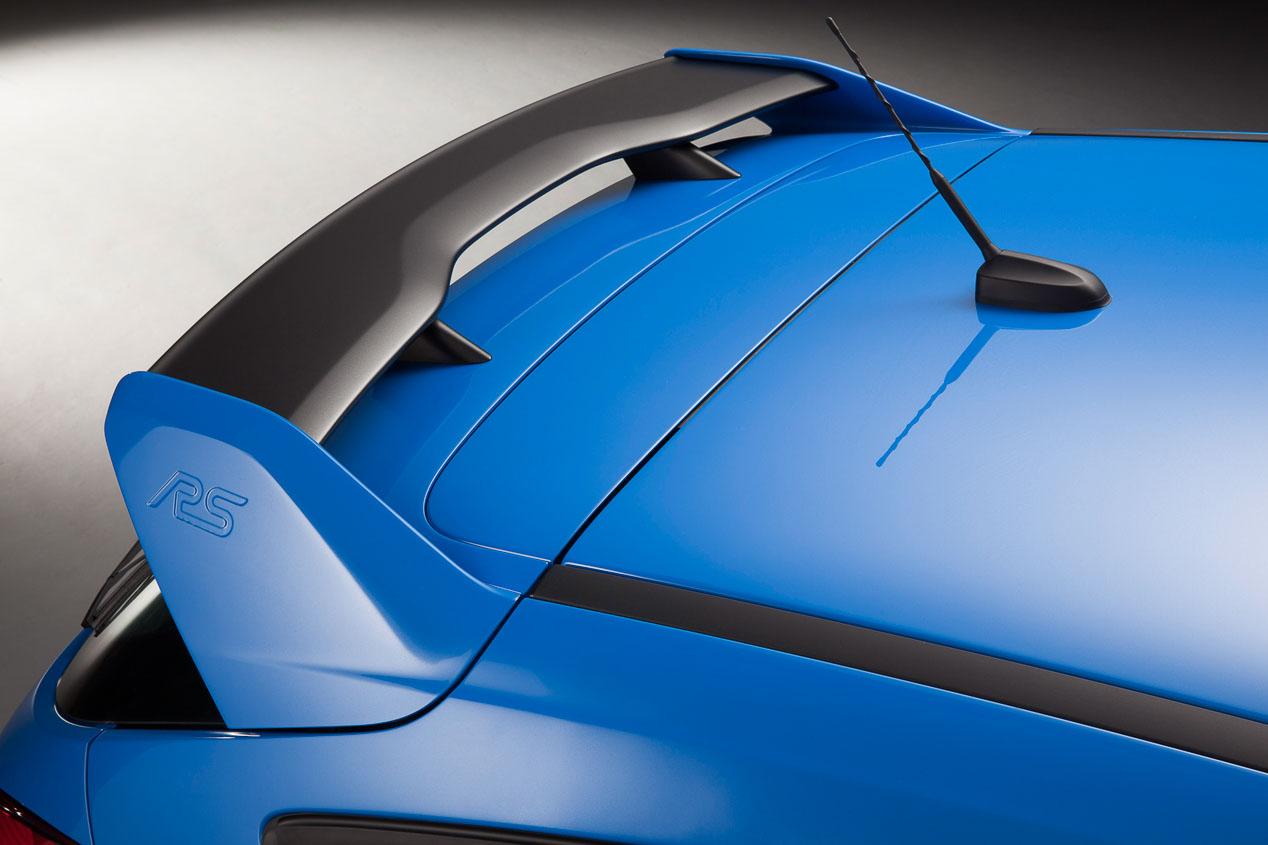 Cuál te comprarías: Ford Focus RS o Ford Mustang
