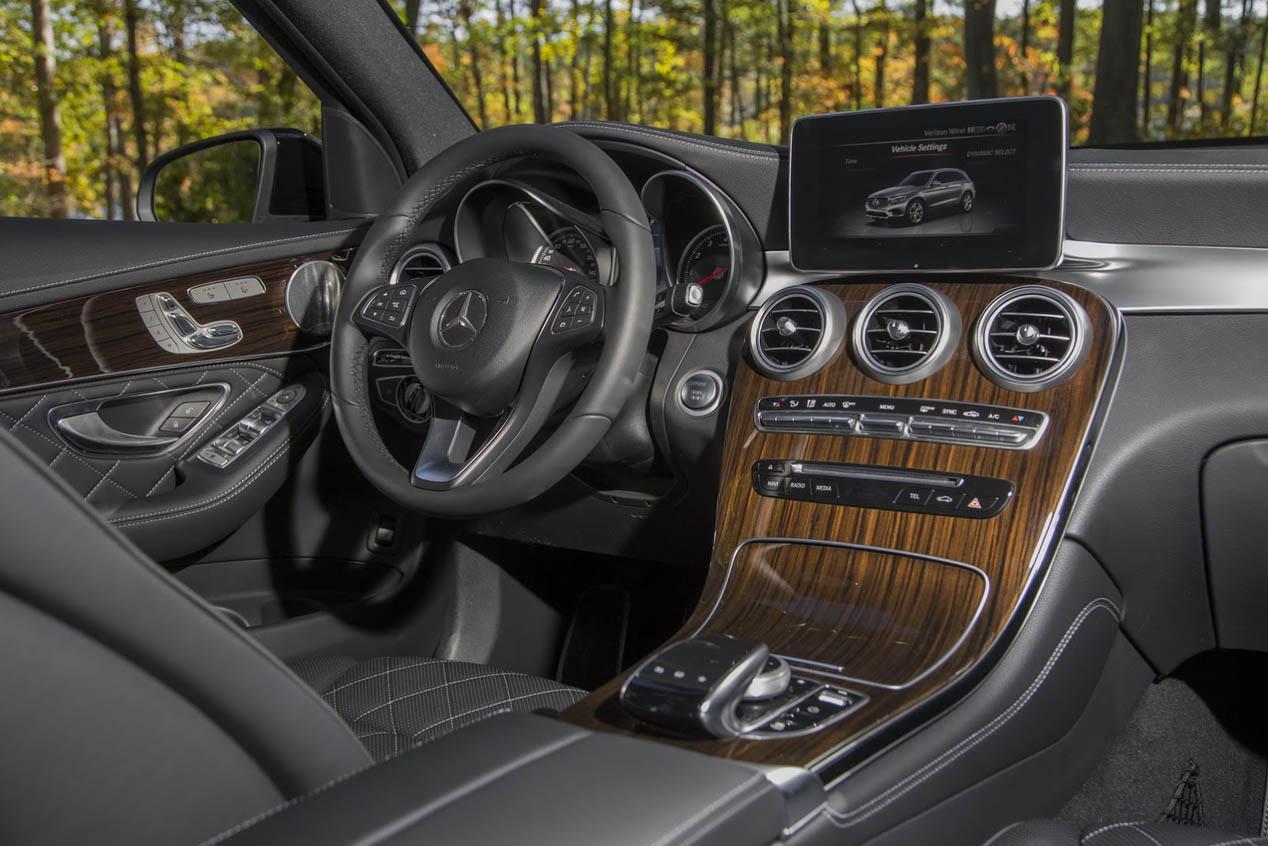 Galer a mejores interiores coches autopista for Los mejores disenos de interiores