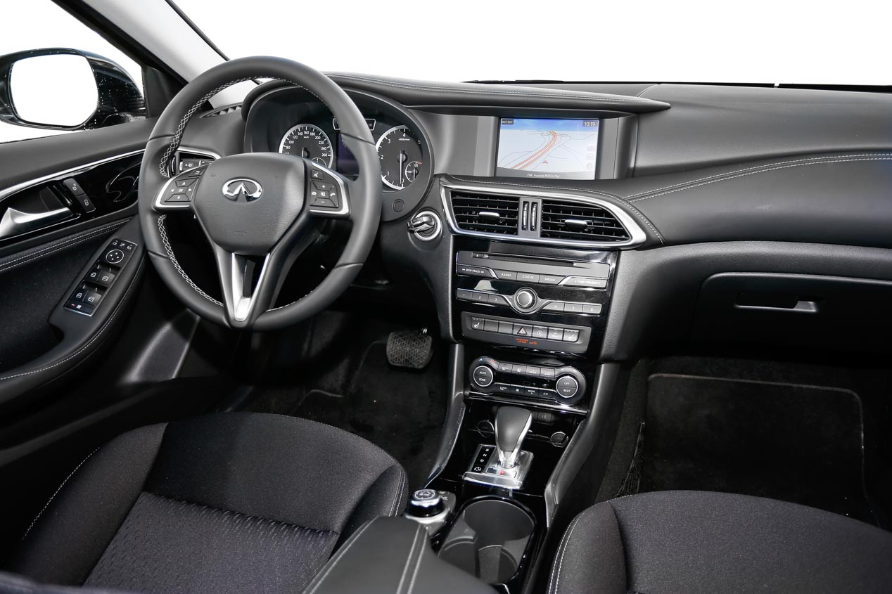 Infiniti Q30 2.2d 7DCT AWD, ya en pruebas
