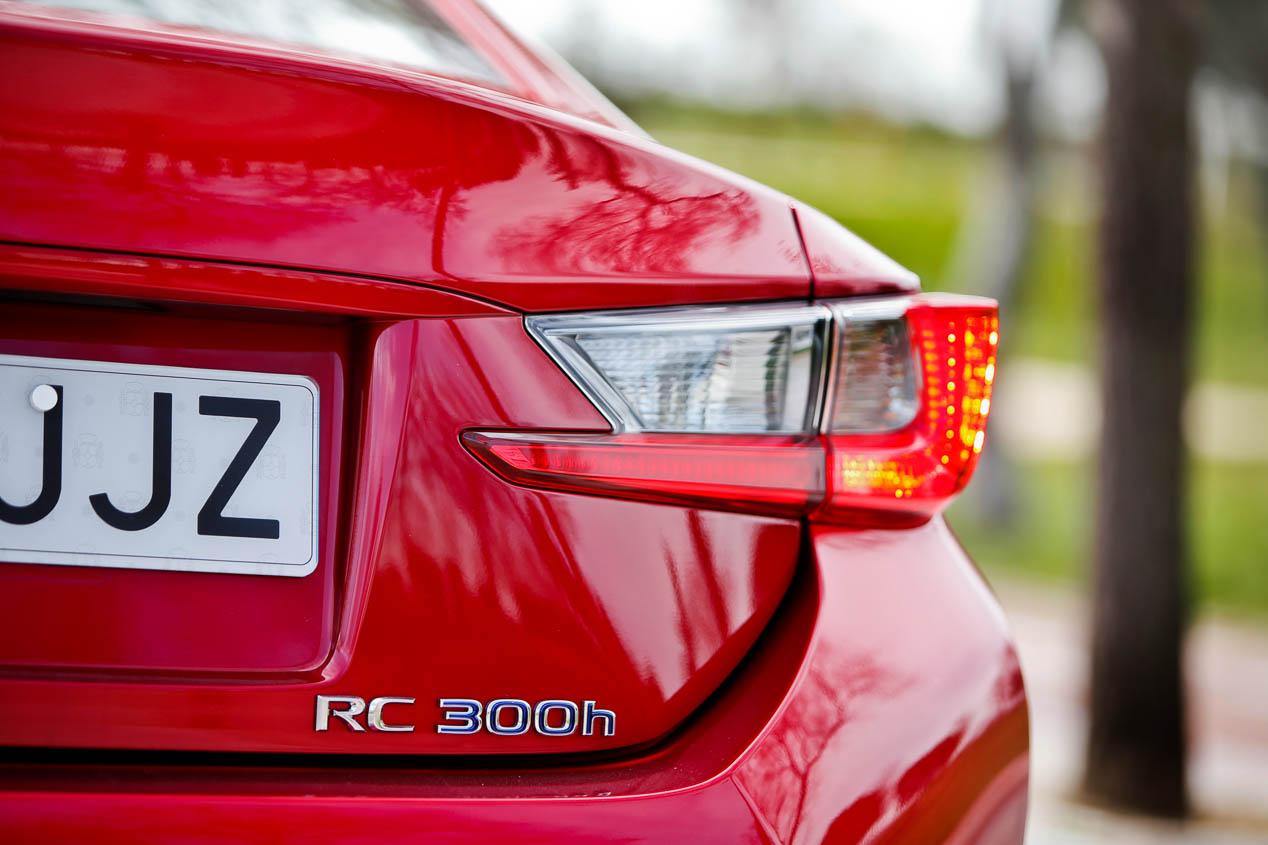 Lexus RC 300h, imágenes del coupé híbrido