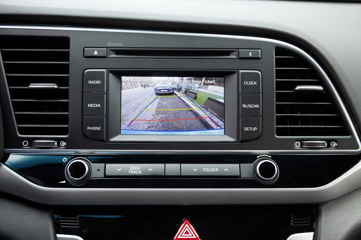 Al volante del nuevo Hyundai Elantra 2016