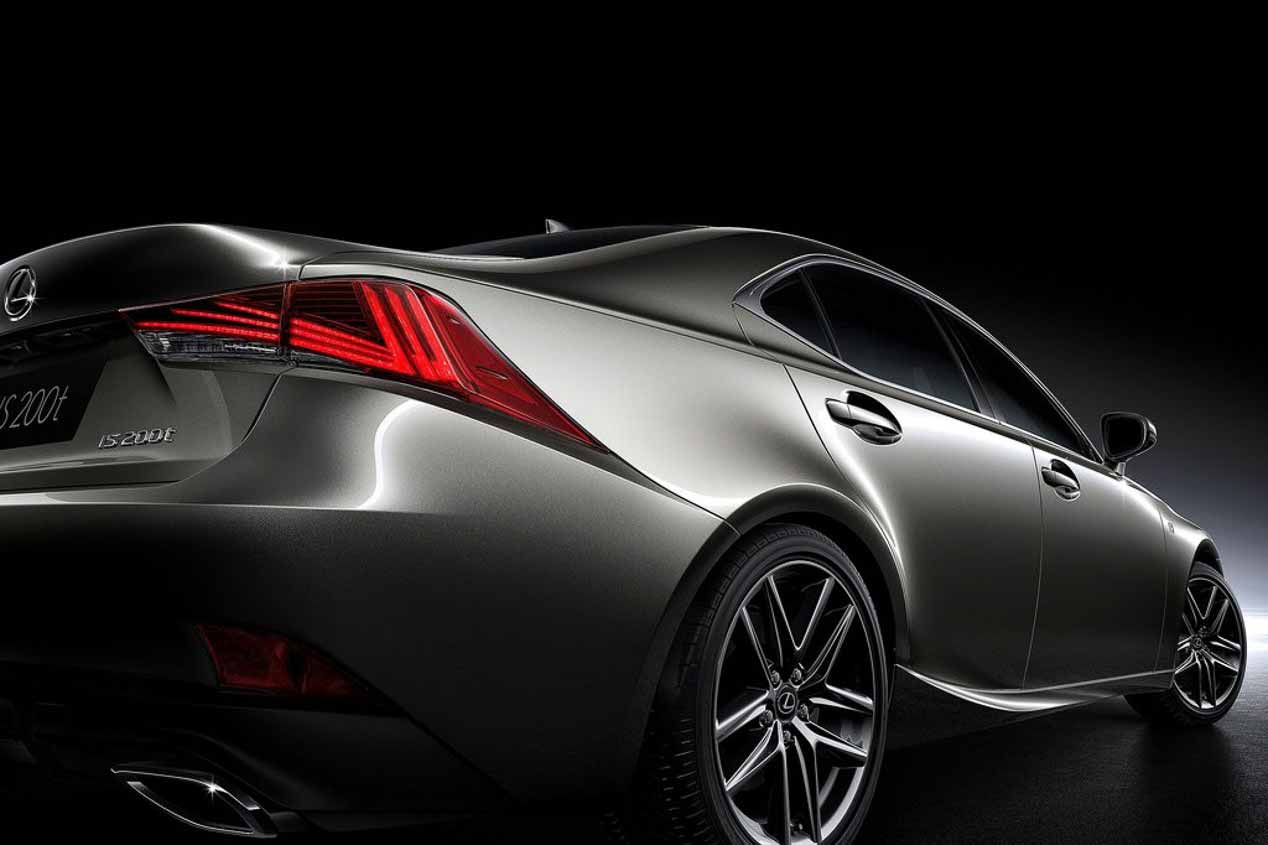 Lexus IS: la berlina media de Lexus actualiza su diseño