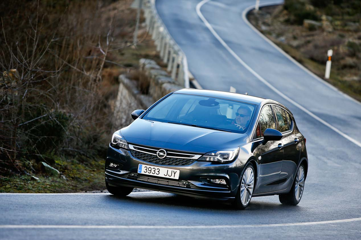 Renault Mégane TCE 130, Opel Astra 1.4 Turbo 125 y Peugeot 308 1.2 PureTech 130