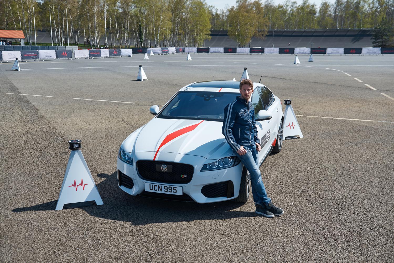 Enfrenta tus reflejos a los de Romain Grosjean con Jaguar Cones Tech