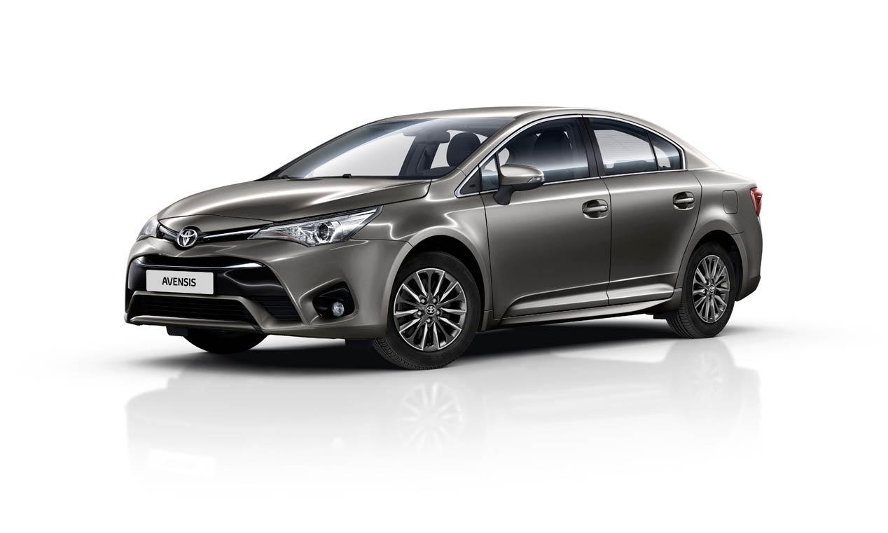 Toyota Avensis 2016, actualización tecnológica
