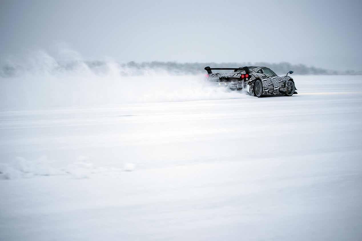 Pagani Huayra BC, así 'baila' sobre nieve y hielo