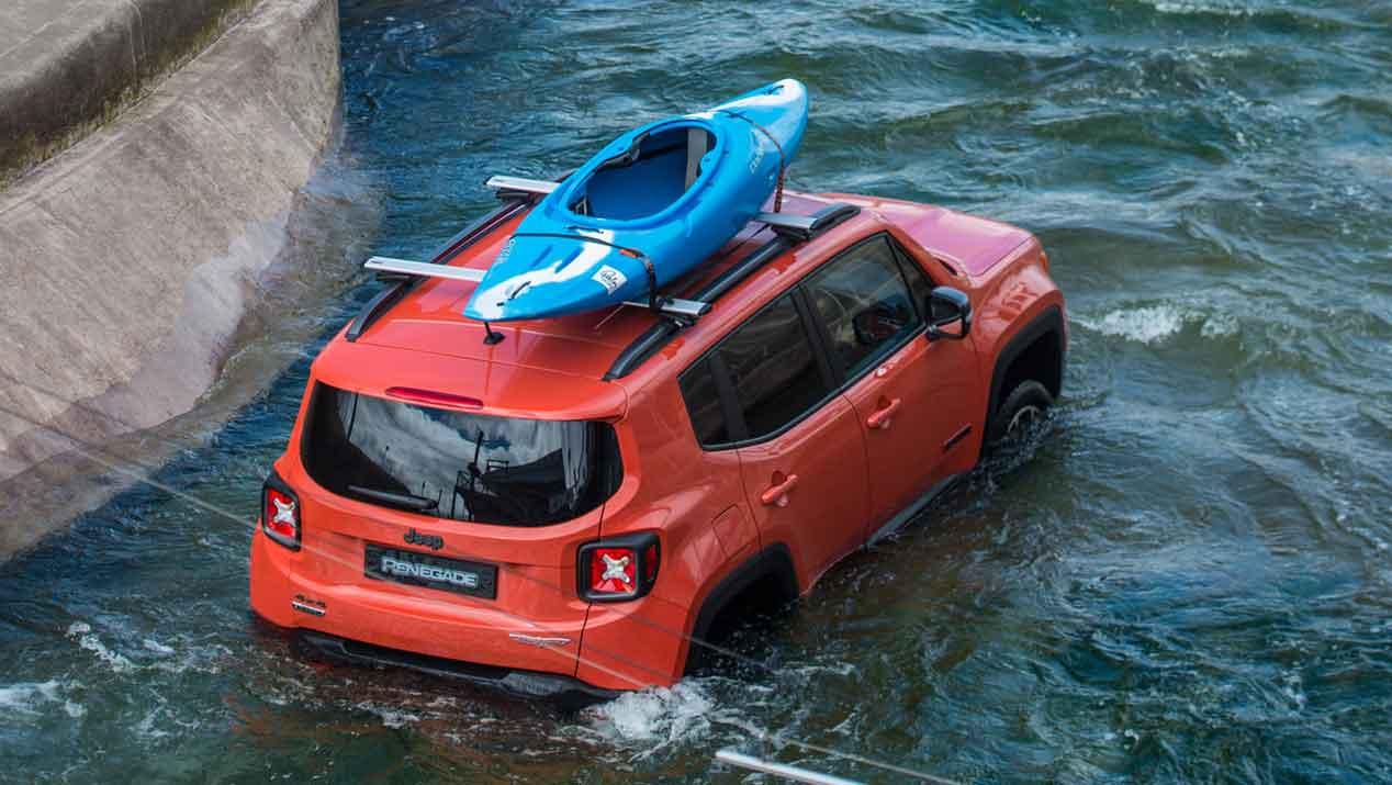 Un Jeep Renegade entre aguas bravas: como pez en el agua