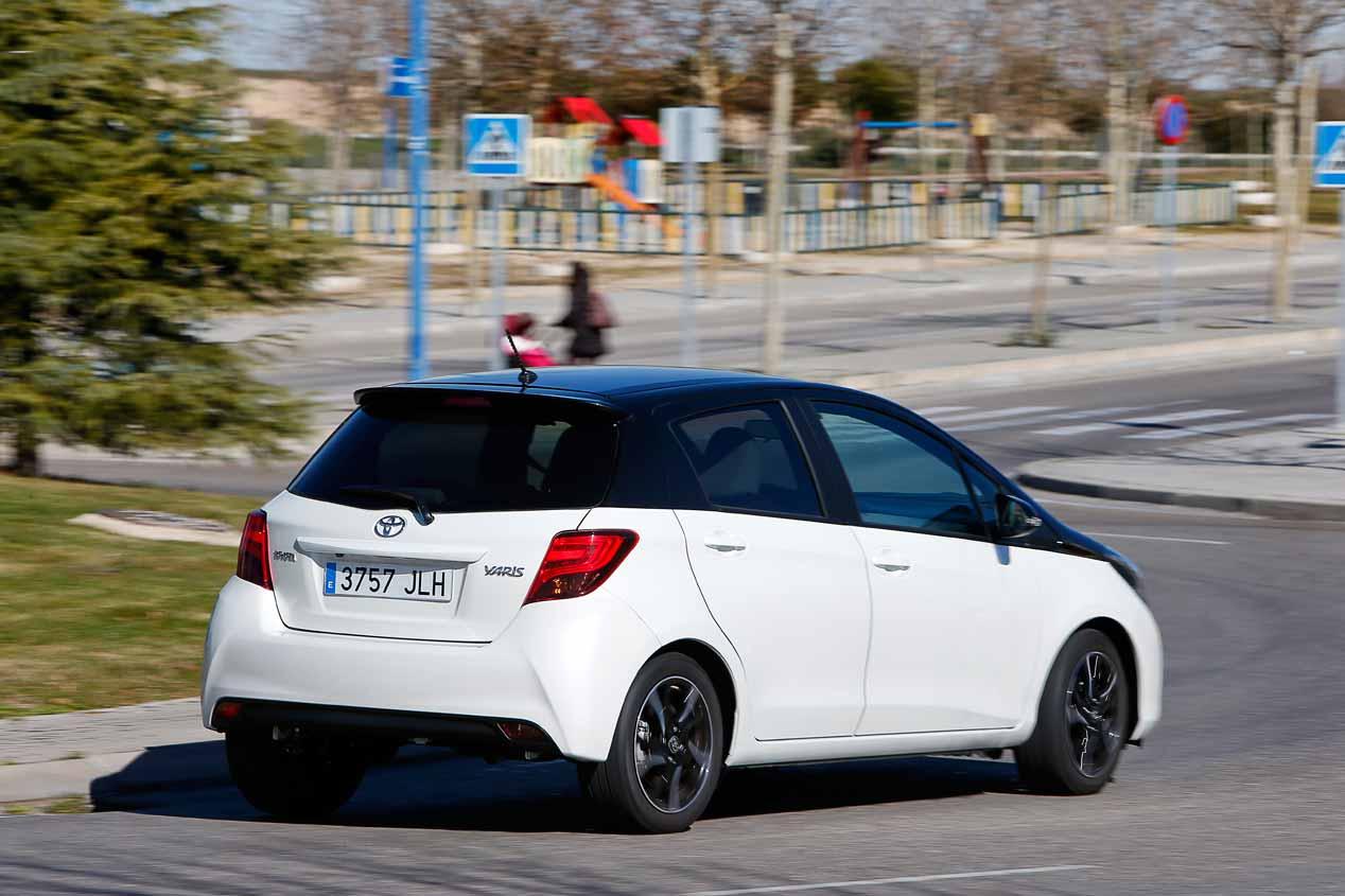 Prueba del Opel Corsa 1.0 Turbo y Toyota Yaris 100